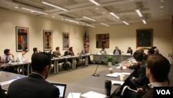 國際和平研究所舉辦中印關係座談會(美國之音記者 鍾辰芳拍攝)