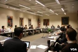 卡內基國際和平研究所舉辦中印關係座談會(美國之音記者 鍾辰芳拍攝)