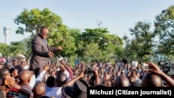 Tundu Lissu akiwa katika mikutano ya hadhara na wafuasi wa chama chake