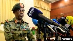Shugaba malisar mulkin sojin Sudan Janar Awad Mohamed Ahmed Ibn Auf