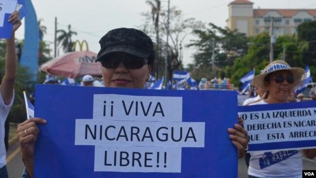 Nicaraguenses marcharon en contra del gobierno de Daniel Ortega, en Managua, el 9 de mayo de 2018.