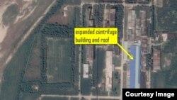 지난달 28일 촬영한 북한 영변 핵시설의 위성사진. 우라늄 농축 시설로 알려진 건물의 지붕이 두 배로 커졌다.