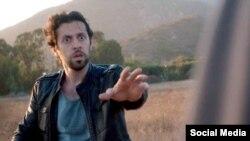 مکس امینی در صحنه ای از فیلم