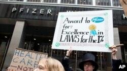 Gerakan 'Occupy Wall Street' memprotes perusahaan farmasi Pfizer di New York (Foto: dok).