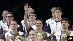 런던 올림픽에 출전하는 미국 수영 선수팀.