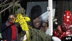 Whitney Houston İçin Cenaze Töreni