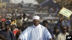 Shugaba Abdoulaye Wade, yana kyamfe ran laraba, 22 Fabrairu 2012, a Dakar, babban birnin Senegal.