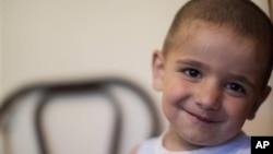 Четырехлетний мальчик из семьи беженцев-черкесов из сирийского города Алеппо (архивное фото)