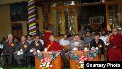 流亡藏人在印度北部喜馬偕爾邦的西姆拉城慶祝他們的精神領袖達賴喇嘛79歲壽辰。