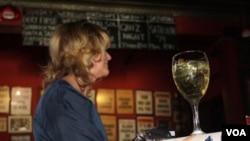 داکتران می گویند که حتی نوشیدن مقدار کم الکل به صورت دوامدار موجب سرطان می شود