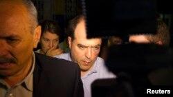 El legislador Julio Borges terminó con lesiones en el rostro luego de que los diputados venezolanos solucionaran sus diferencias a puños en la Asamblea Nacional de Caracas.
