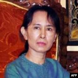 缅甸反对派领袖昂山素季(档案照片)