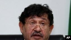 Abdul Ati al-Obeidi speaks during a news conference in Tripoli (File Photo)