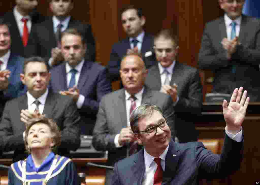 مراسم تحلیف الکساندر ووچیچرئیس جمهوری جدید کشور صربستان.