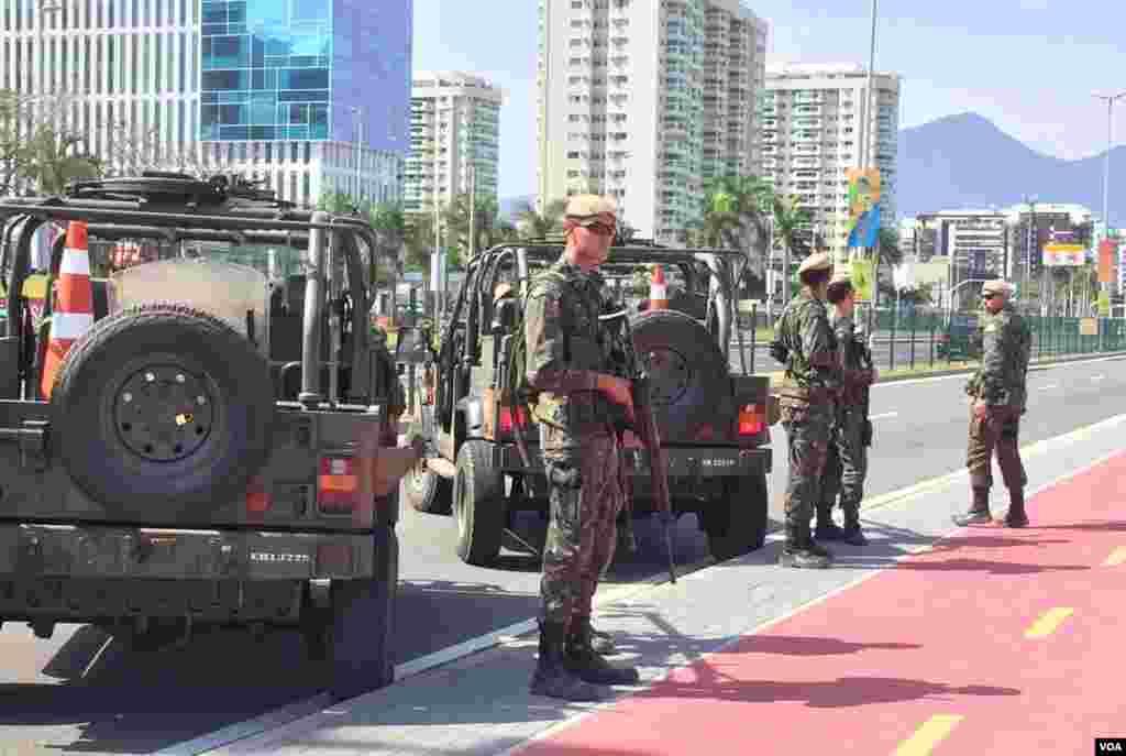 La seguridad siempre presente en Rio ante un aumento de robos y protestas en el marco de los juegos olímpicos.