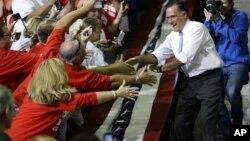 美國總統候選人羅姆尼爭取婦女獨立選民