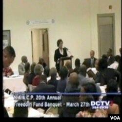 Shirley Sherrad tokom govora u martu 2010