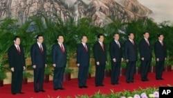 2007年中共17大后九常委亮相(资料照片)