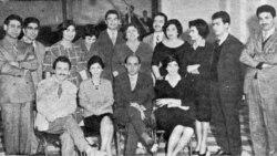 رادیو ایران، سال ۱۳۳۹، گویندگان و مجریان برنامه های رادیو. تقی روحانی در صف نشستگان از راست نفر دوم است.