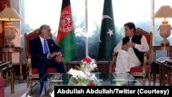 عبداللہ عبداللہ نے پاکستان کے تین روزہ دورے کے موقع پر وزیرِ اعظم عمران خان اور آرمی چیف سمیت دیگر اہم شخصیات سے گفتگو کی۔