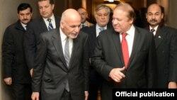پاکستان کے وزیراعظم نواز شریف اور افغان صدر اشرف غنی (فائل فوٹو)