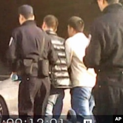 广州网友余刚12月18日在声援乌坎民众时被抓