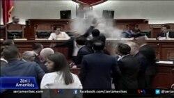 Tension në Parlamentin e Shqipërisë