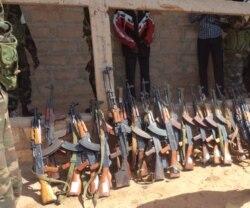 Policia angolana apela a cooperação na recolha de armas - 1:14