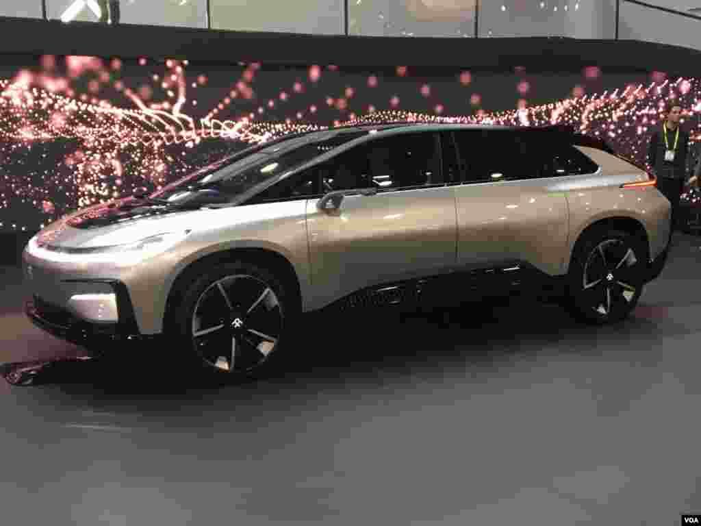 نمایشگاه محصولات الکترونیکی CES خودروی نسل آینده؛ غول الکتریکی فارادای فیوچر با ۱۰۵۰ اسب بخار