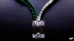الماس اولیه ۴۰۴ قیراط بود که بزرگترین الماسی است که در نوع خود تاکنون در انگولا پیدا شده است