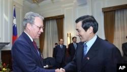 马英九总统接见美国在台协会主席薄瑞光(资料照片)