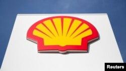 Logo Shell terlihat di pusat kota London, Inggris, 6 Maret 2014. (Foto: REUTERS/Neil Hall)