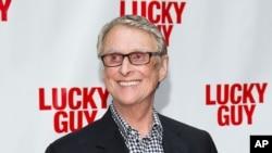 "Reditelj Majk Nikols na premijeri filma ""Lucky Guy"" u Njujorku 2013."