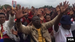 FILE: MDC activists attending a rally addressed by Nelson Chamisa in Gweru, Midlands province.
