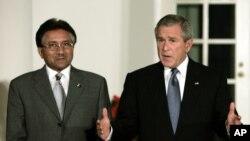 صدر پرویز مشرف صدر بش کے ساتھ