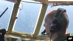 US Coast Guard C-130 pilot Lieutenant Commander Scott Murphy