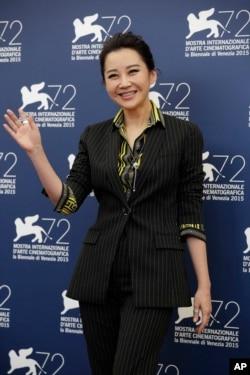 在威尼斯电影节,中国影视明星许晴为影片《老炮儿》(Mr. Six) 亮相(2015年9月12日)。