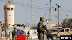 Saldırı, Afganistan'ın başkenti Kabil'in 50 kilometre kuzeyindeki Bagram Hava Üssü yakınlarında yapıldı.