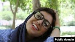 آتنا فرقدانی، کارتونیست و فعال مدنی ۳۰ ساله ایرانی، روز سه شنبه ۱۴ اردیبهشت ۱۳۹۵ پس از دو سال از زندان آزاد شد.