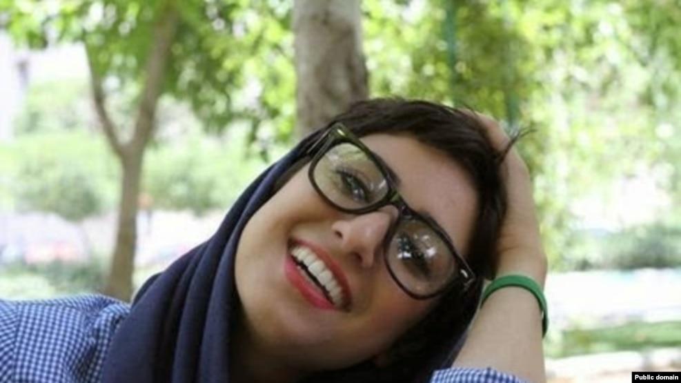 آتنا فرقدانی، فعال مدنی زندانی در ایران