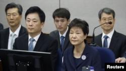 박근혜 전 한국 대통령이 지난 2017년 5월 재판에 출석했다.