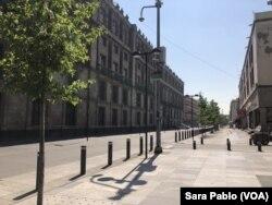 Algunas calles de Ciudad de México están vacías debido al distanciamiento social por el coronavirus.