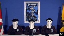 西班牙巴斯克分離主義組織埃塔的三名成員2011年1月10日通過視頻在記者會上宣佈永久停火