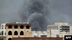 Serangan udara pimpinan Saudi menarget markas pasukan khusus di Sana'a, Yaman hari Rabu (27/5).