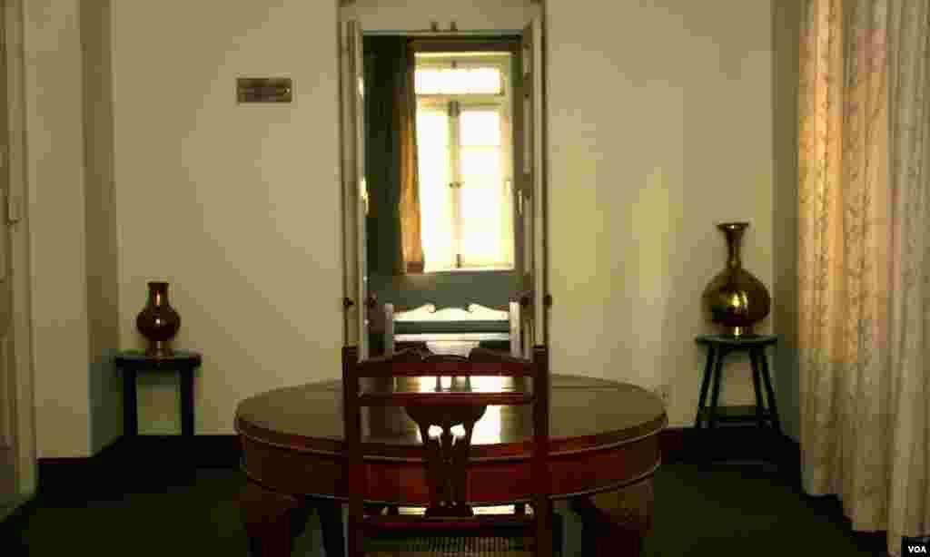 عمارت کی پہلی منزل میں واقع پاکستان کے بانی رہنما محمد علی جناح کے ریز استعمال رہنے والا کمرہ