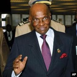 Senegal President Abdoulaye Wade (file photo)