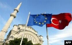 Hujum ketidan Turkiya Iroq shimolini bombardimon qilmoqda
