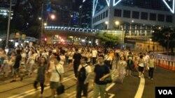 香港学联预演占中午夜正式开始 (美国之音海彦拍摄)