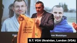 "Wartawan Ukraina Oleg Sentsov dalam acara Penghargaan HAM ""Magnitsky Awards"" di London, Kamis (14/11)."