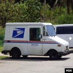 Mobil dinas tukang pos di AS rata-rata tidak ber-AC, sehingga menambah rasa haus pada saat berpuasa siang hari di musim panas.